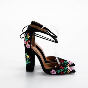 SHOE REPUBLIC Black Embroidered Floral Heels